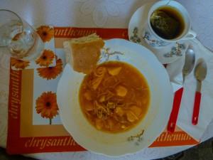 4 Tage lang diese Suppe mit Tee
