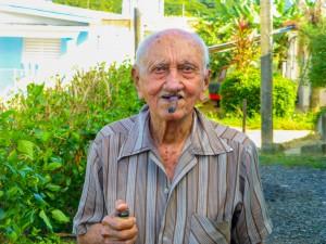 92 jähriger Vater vom Verrückter (Manuelito)