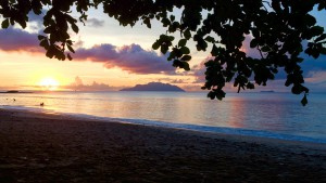 Mahe - Beau Vallon Aussicht Silhoutte Island